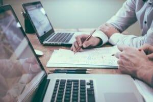 3 professionnels pour accompagner la transmission d'entreprise