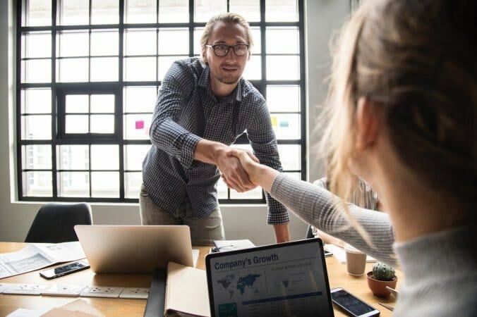Reprendre une entreprise : comment faire une bonne affaire ?